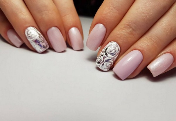2018-2019 Bride's Wedding Manicure: Luxurious Nail Designs 22
