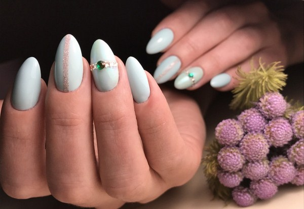 2018-2019 Bride's Wedding Manicure: Luxurious Nail Designs 5