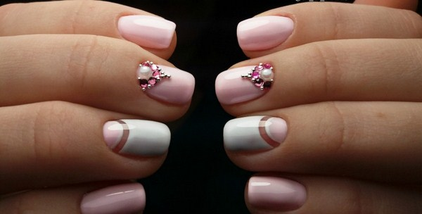 2018-2019 Bride's Wedding Manicure: Luxurious Nail Designs 8