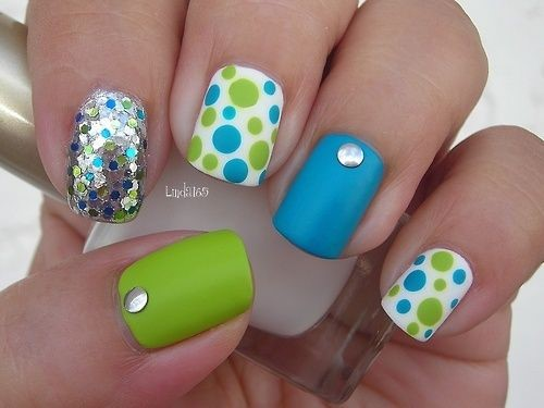 Fashionable manicure with sparkles and glitter: photos, the best ideas 38