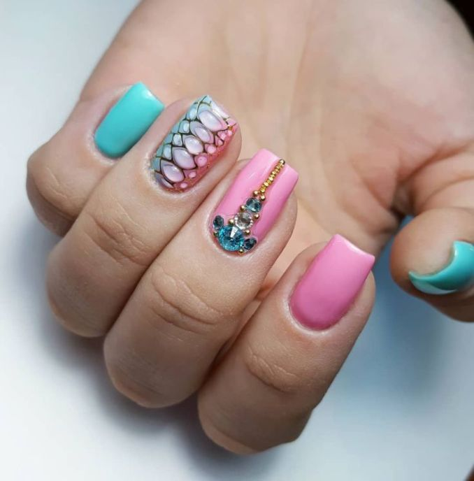 Manicure with a print: options for design 10