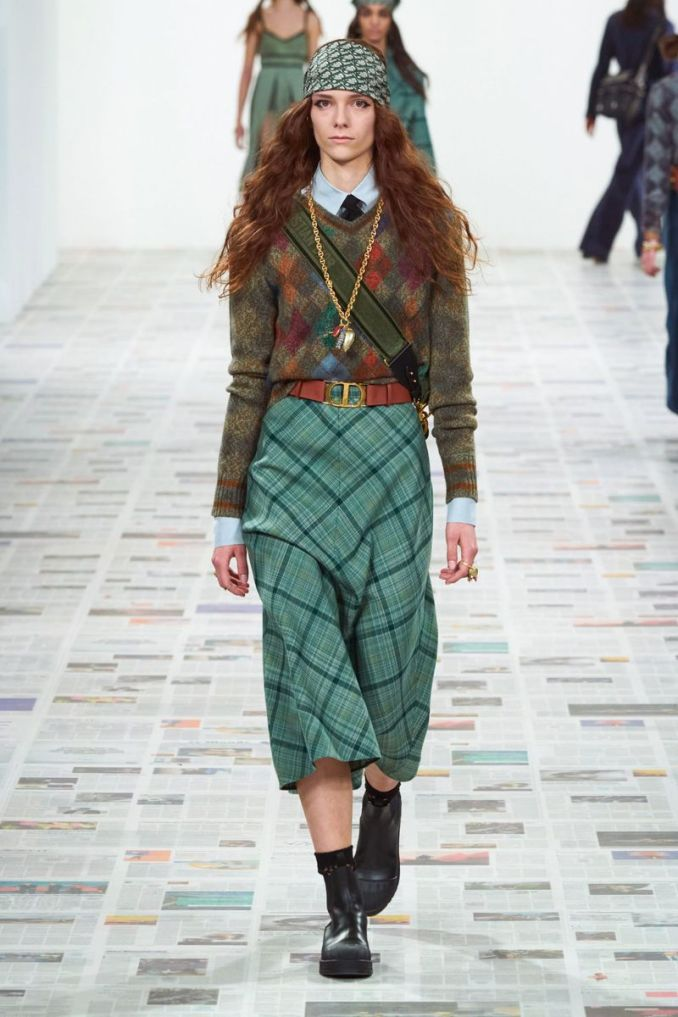 Fashionable plaid skirts fall-winter 2020-2021 from the Christian Dior collection