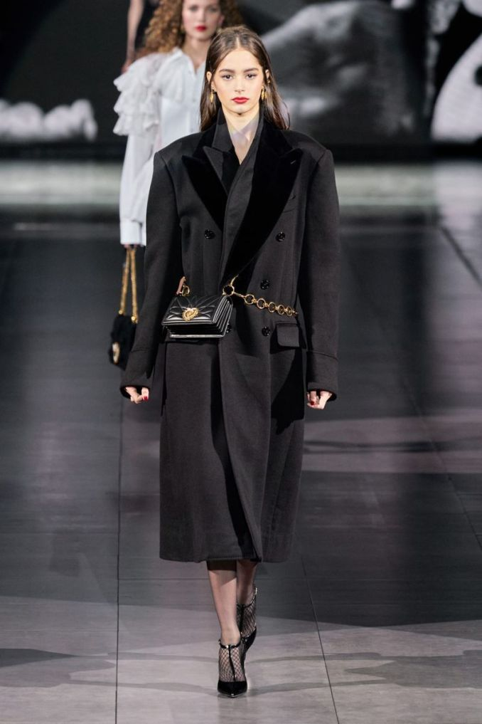 The most fashionable style fall-winter 2020-2021 - jacket coat with voluminous shoulders from the Dolce & Gabbana collection
