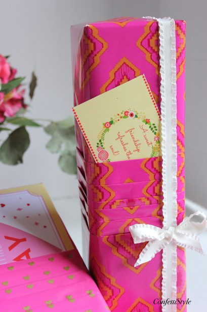 Pleated Paper Valentines Wrap by ConfettiStyle