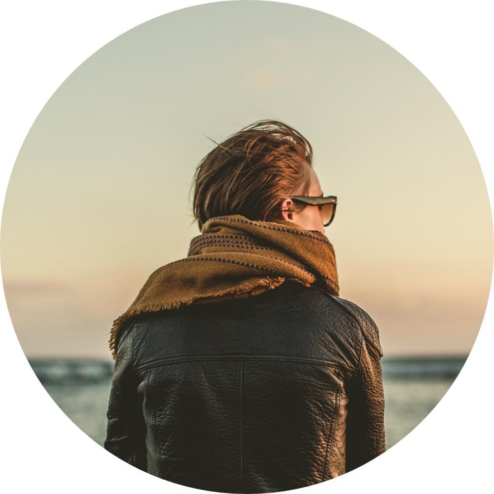 girl looking at ocean