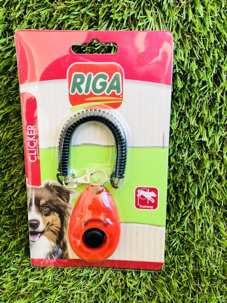 Eduquer facilement et rapidement votre animal avec le clicker training. Découvrez le guide complet sur le clicker training expliqué simplement. Eduquer votre chien ou votre chat facilement grâce au clicker training