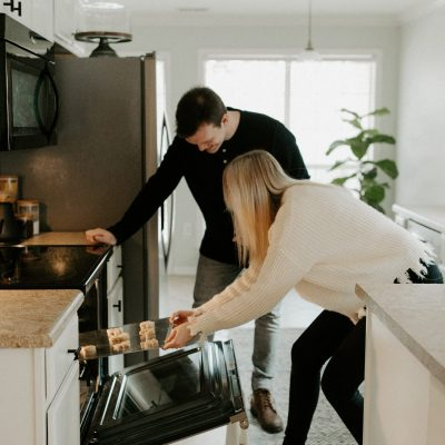 7 Ways To Reverence Your Husband Through Homemaking