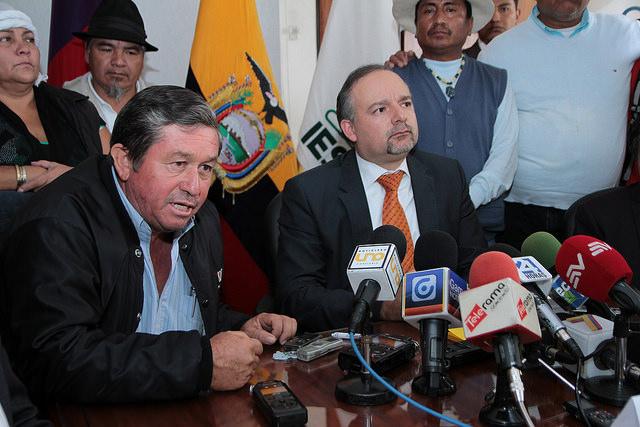 Richard Espinosa renuncia a la presidencia del IESS
