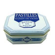 PASTILLES VICHY – VERITABLES PASTILLES DE VICHY – MOINET-VICHY – Boite en fer rectangulaire – 300 g