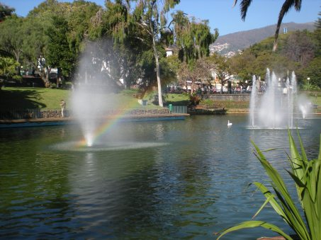 A rainbow in a fountain!