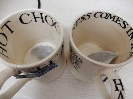 4_tea-cups