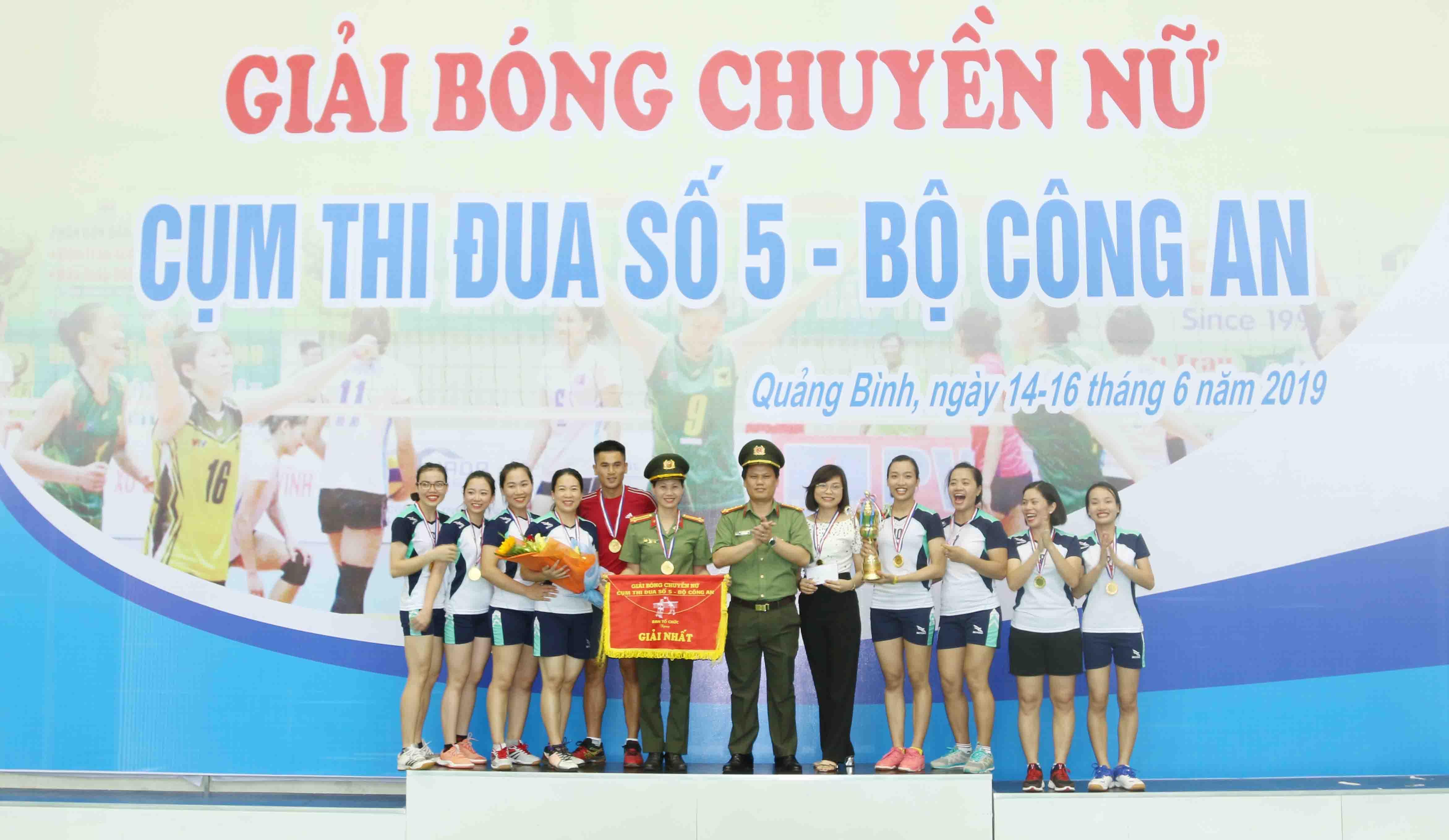 Tổ chức thành công giải Bóng chuyền Nữ- Cụm thi đua số 5 – Bộ Công an