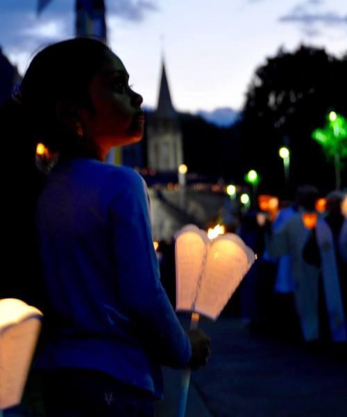 Mừng kính Đức Mẹ Lên Trời tại Lộ Đức - Pháp 3