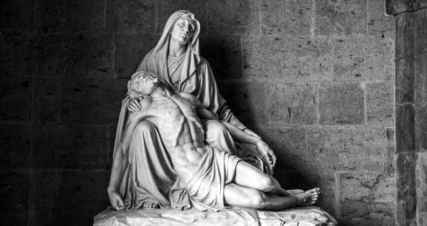 Thánh lễ Đức Mẹ trong Mùa Chay và Mùa Vọng được quy định như thế nào?