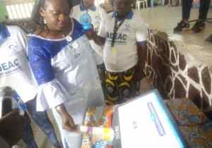 Mont-Ngafula: Solange Masumbuko et 1500 femmes de l'ADEAC expérimentent la machine à voter