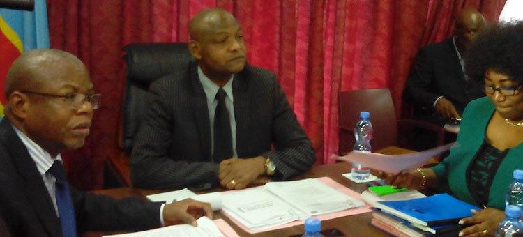 Elections: les responsables des instituts de sondage convoqués par le CSAC