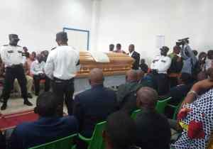 Obsèques Ndaye : la levée du corps effectuée et exposé momentanément à Tata Raphaël !