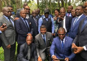 RDC: anciens et nouveaux gouverneurs FCC réçus par J. Kabila