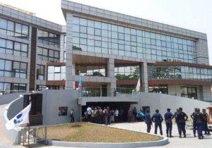 Enfin, le cabinet du Gouverneur de la Ville-province de Kinshasa affiche complet