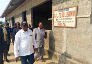 RDC/Kwilu: le gouverneur Itsundala veut réhabiliter les écoles Tosalisana et Mbadu à Bagata