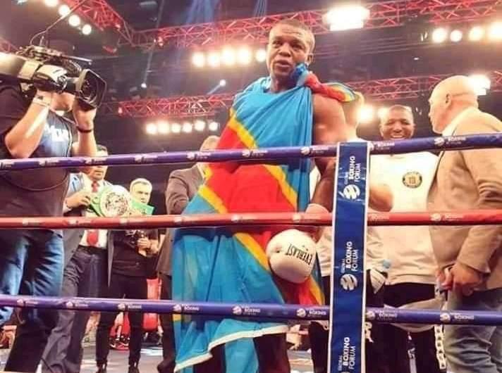 Boxe: Junior Ilunga Makabu sacré champion du monde WBC Silver