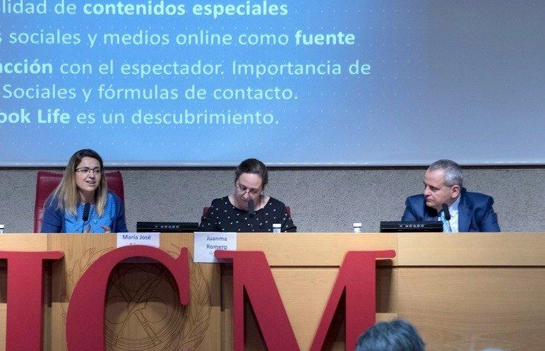 Inés Calderón, periodista de 'El Objetivo' de La Sexta, y Juanma Romero, director del programa 'Emprende' de TVE, participaron en el panel dedicado al mestizaje entre TV e internet.