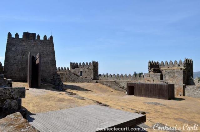 Vista do interior do castelo de Trancoso.