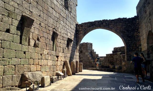 Interior do Castelo de Belmonte, Portugal.