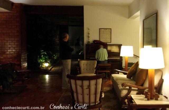 Hotel União, o pianista. Caxambu, MG.