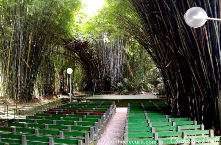Catedral de Bambu no Parque das Águas de São Lourenço, MG.