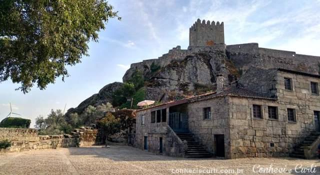 A aldeia histórica de Sortelha e a sua Torre de Menage.