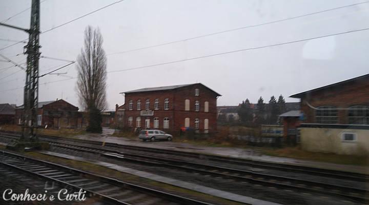 Olhando as cidades pela janela do trem - Alemanha.