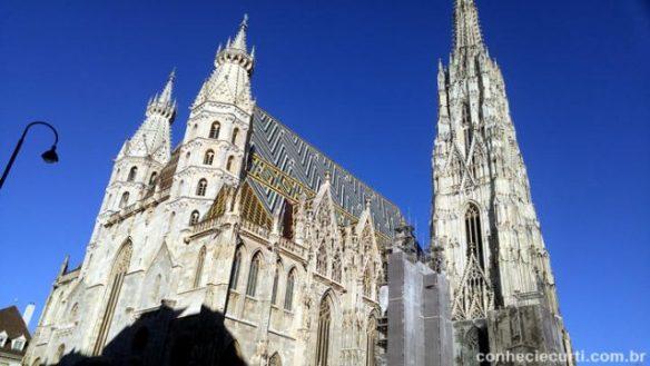 A Catedral de São Estevão ( (Stephansdom) em Viena, Áustria.