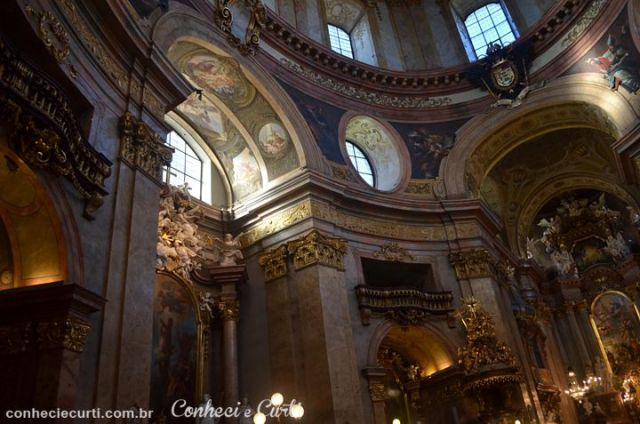 Interior da Igreja de São Pedro, Viena