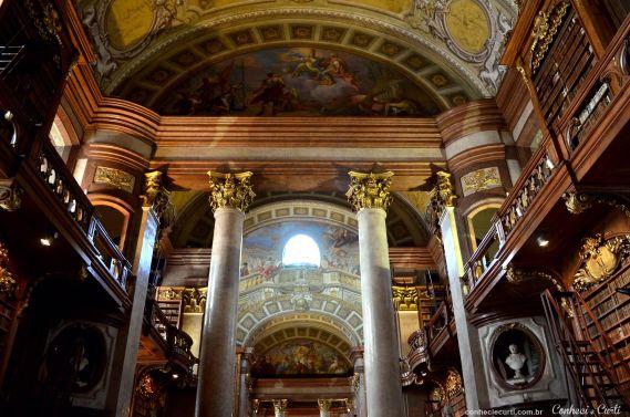 3º dia em Viena – Igreja da Ordem Teutônica, Palácio Hofburg, Biblioteca Nacional, Votivkirche e Karlskirche