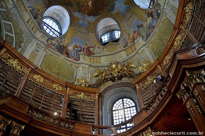 Biblioteca Nacional Austríaca, em Viena.