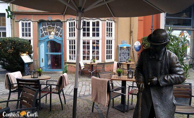 Escultura localizada no Schnoor, Bremen.