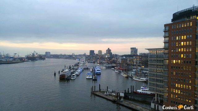 Região portuária de Hamburgo.
