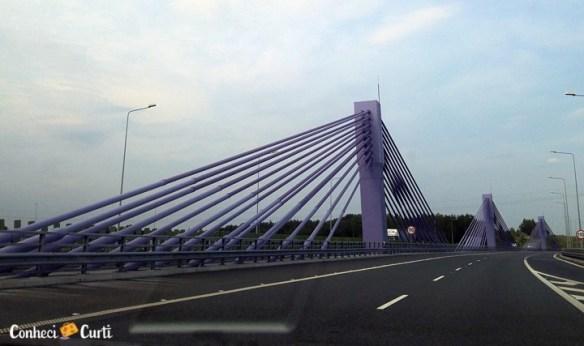Viaduto na Polônia, uma verdadeira obra de arte da engenharia.