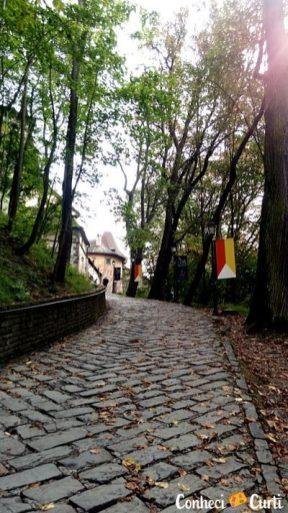 Subida ao Castelo de Orava. Eslováquia