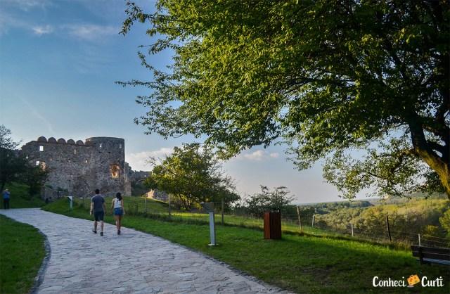 Caminho para o Castelo Devín, Eslováquia