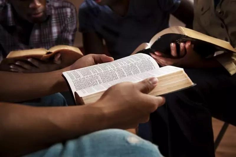 como ler a biblia em um ano – guia completo 20181109121313.jpg - Como Ler a Bíblia em Um Ano? – Guia completo