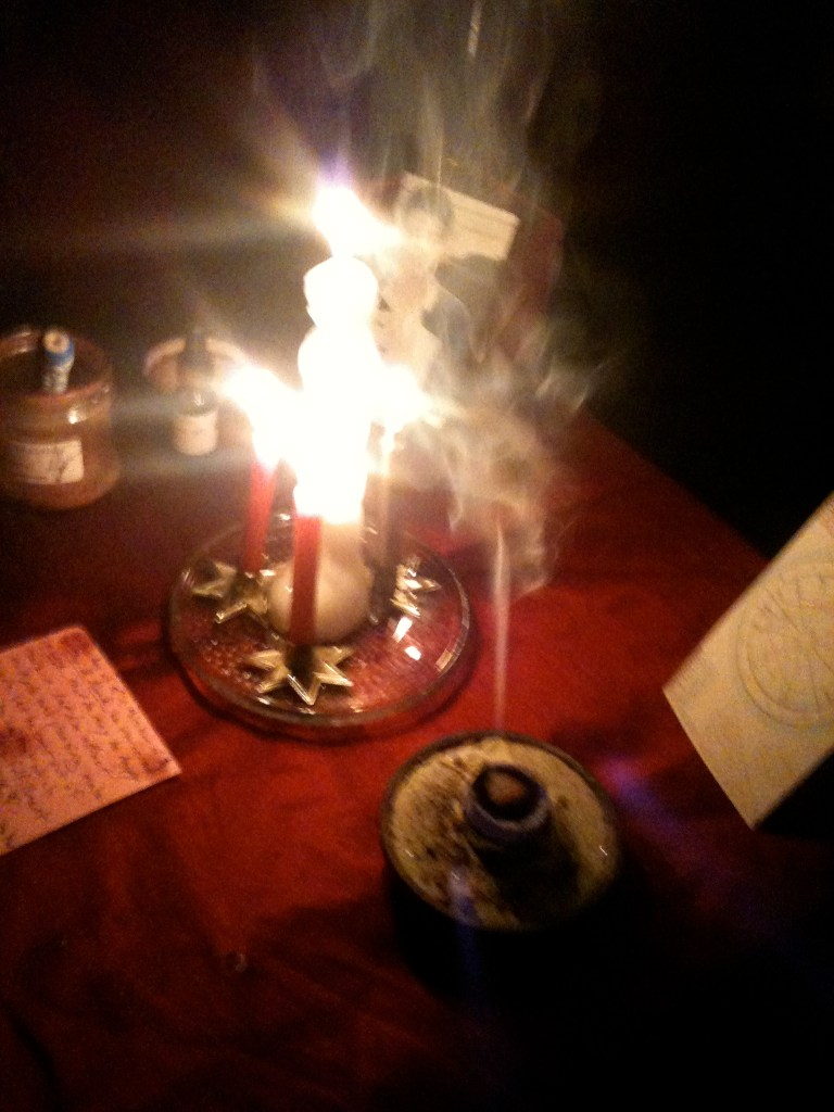 A Closer Look, photos, Conjure Work, conjurework.com sorcery, Hoodoo, witchcraft, attraction magick