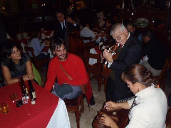 Músicos en el Bar La Ópera - México DF