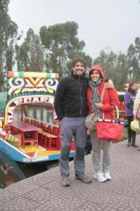 Posando frente a las Trajineras de Xochimilco - México