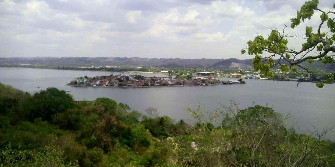 Ciudad de Flores - Guatemala