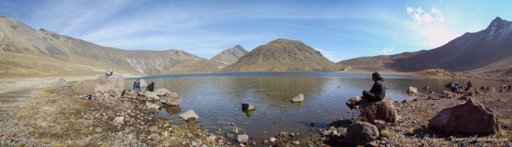 Descansando y relajando los pies - Laguna del Sol - Nevado de Toluca