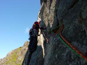 Anselmo en la Travesía Horizontal de la Svolvaergeita - Svolvaer - Noruega