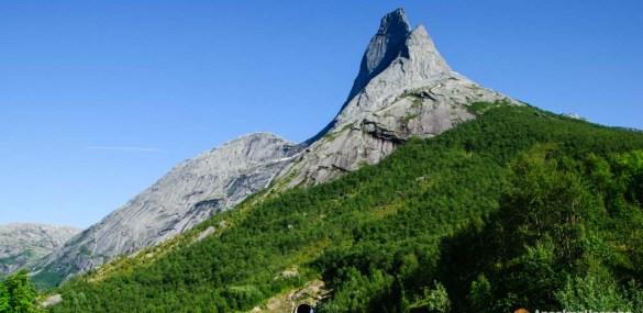 Escalada por el pilar sur del Stetind – Stetind South Pillar – Noruega