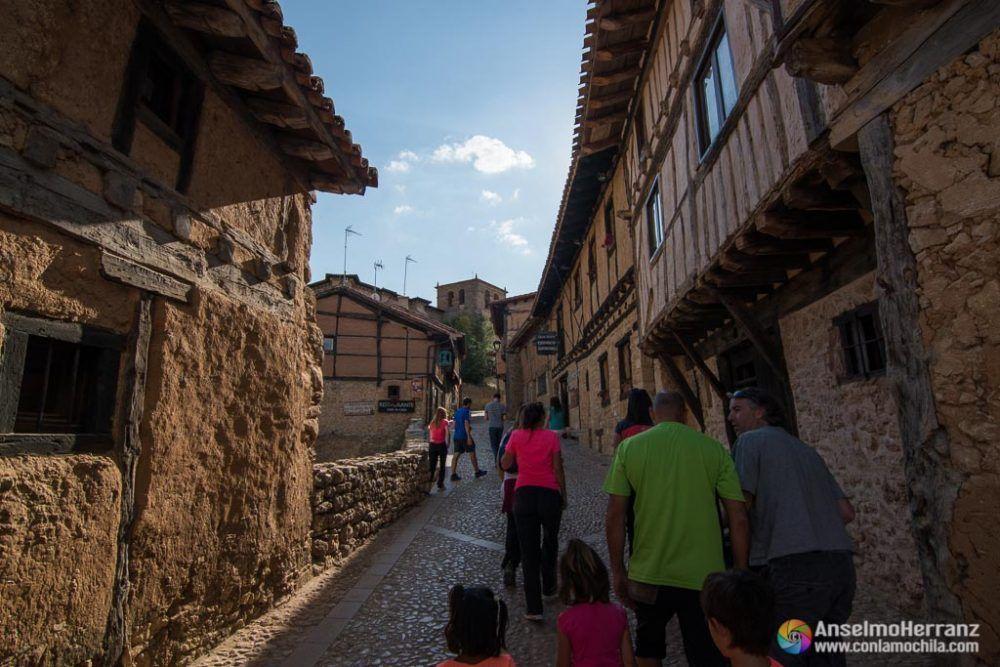 Calle principal de Calatañazor - Soria